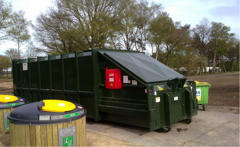 zelfpersende containers